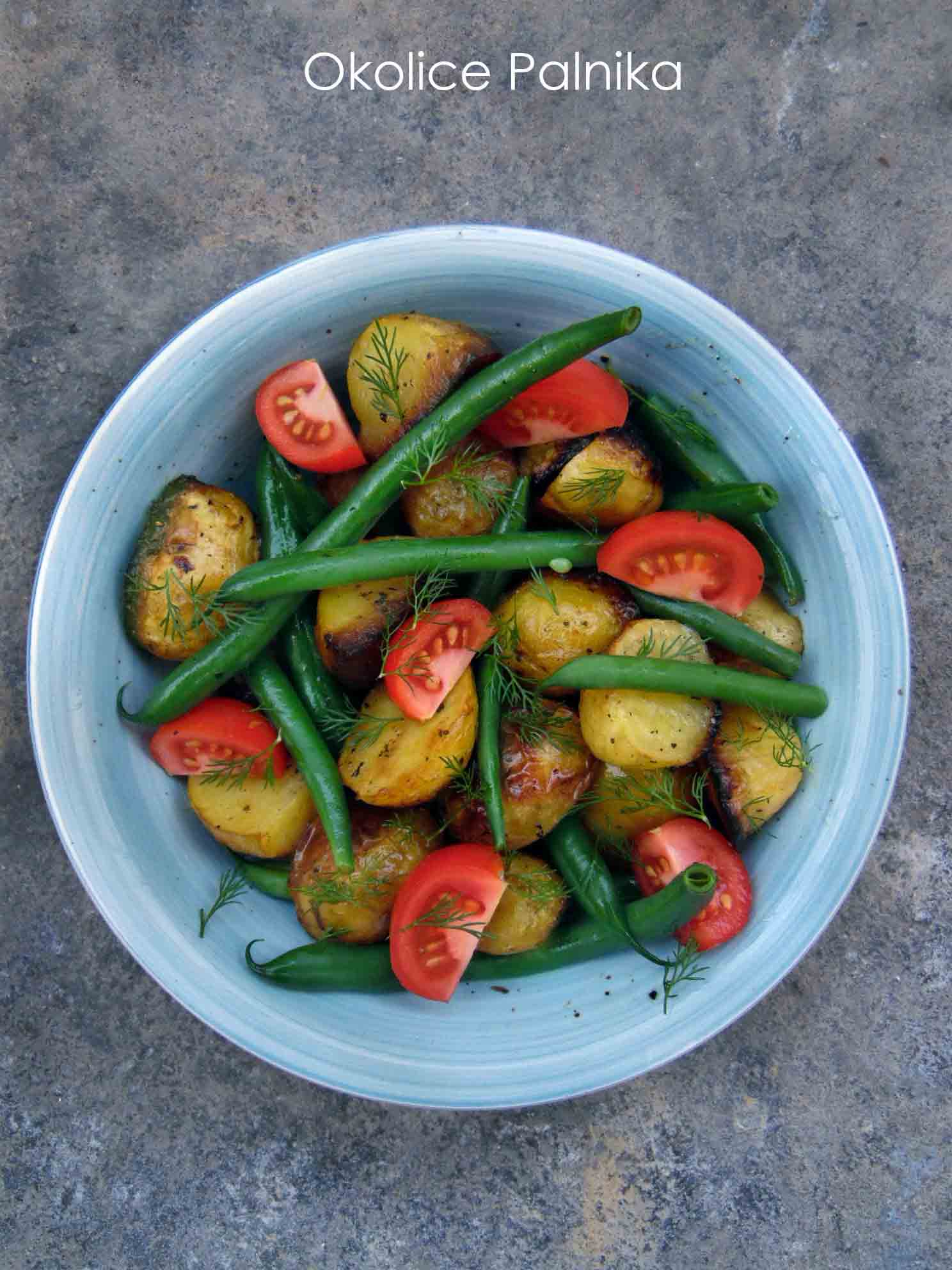 Sałatka z pieczonych młodych ziemniaków i fasolki szparagowej