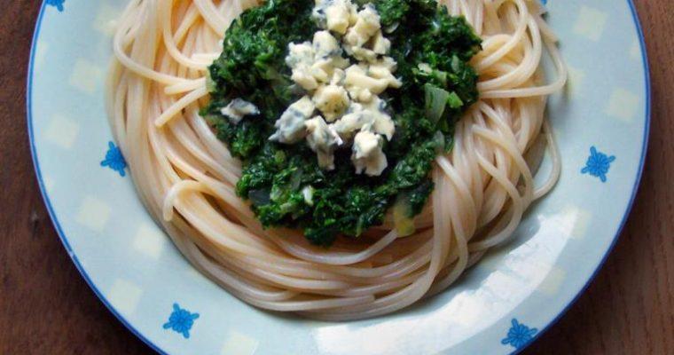 Spaghetti ze szpinakiem i gorgonzolą