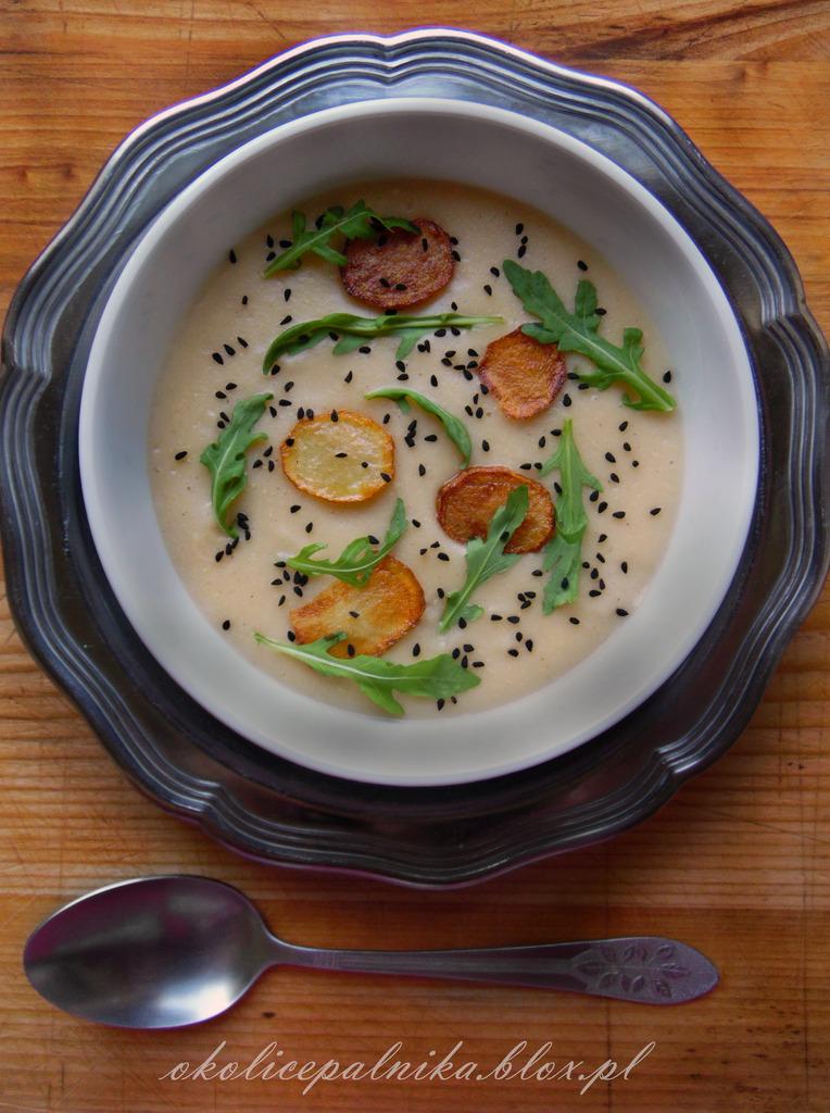 Delikatna zupa krem z kalafiora