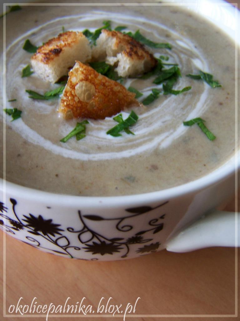 Tradycyjna świąteczna zupa grzybowa