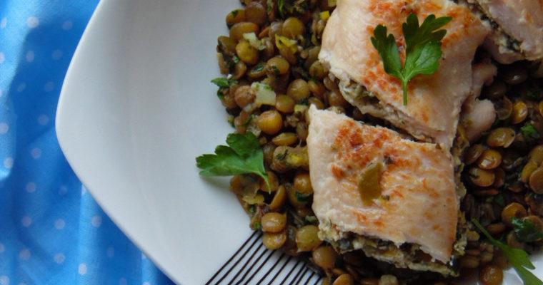 Roladki z kurczaka z oliwkami i soczewicą