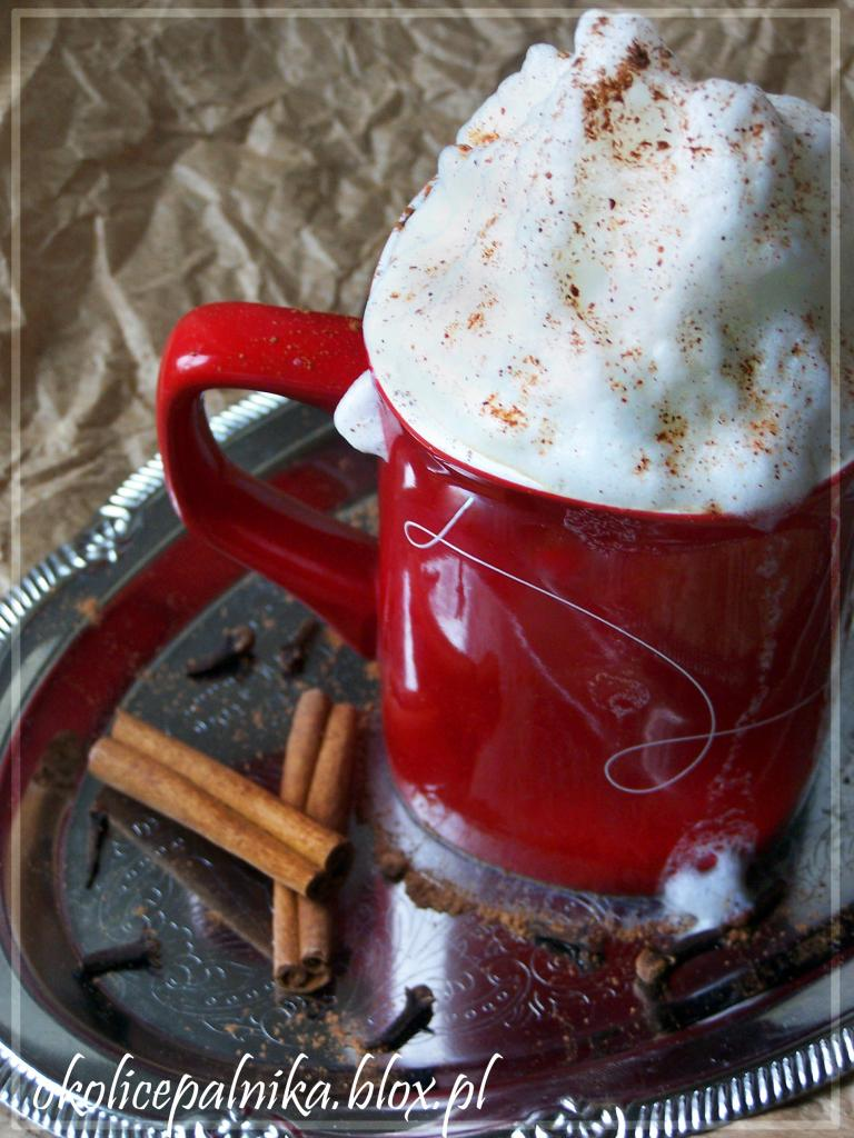 Pierniczkowe latte i syrop pierniczkowy