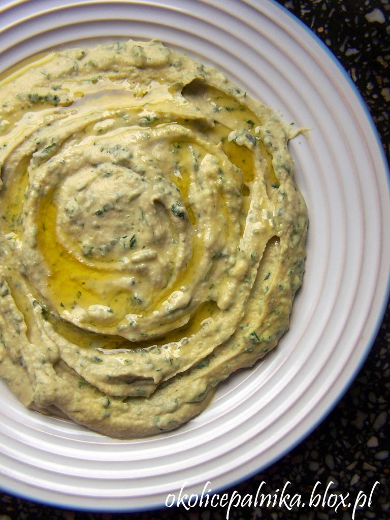Hummus pietruszkowy