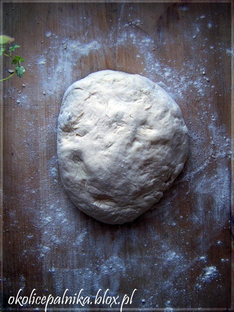 Przepis na idealne ciasto na pizzę