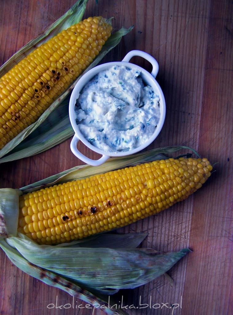 Grillowana kukurydza z dipem z sera pleśniowego