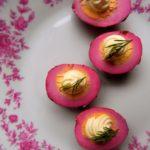 Jak zrobić różowe jajka – jajka marynowane w burakach