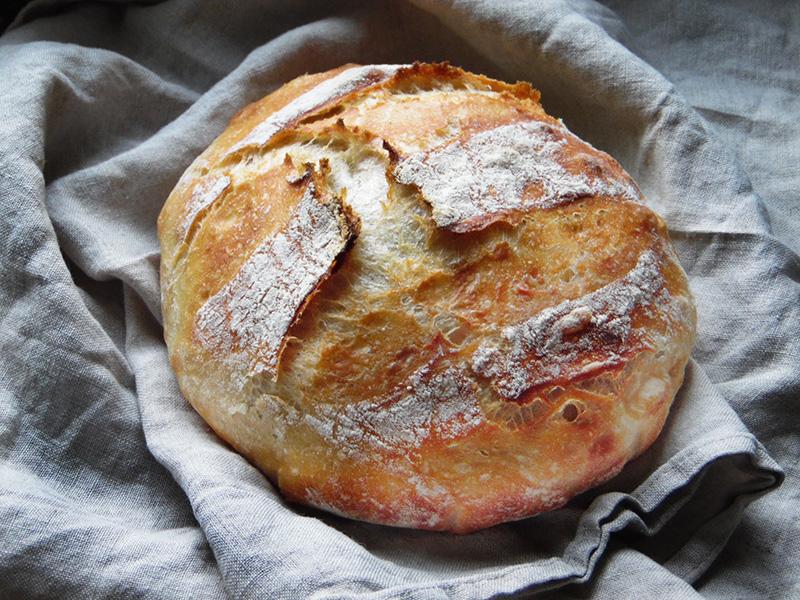 Wiejski chleb bez wyrabiania