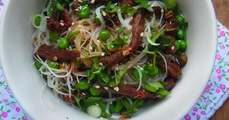 Makaron ryżowy z wieprzowiną