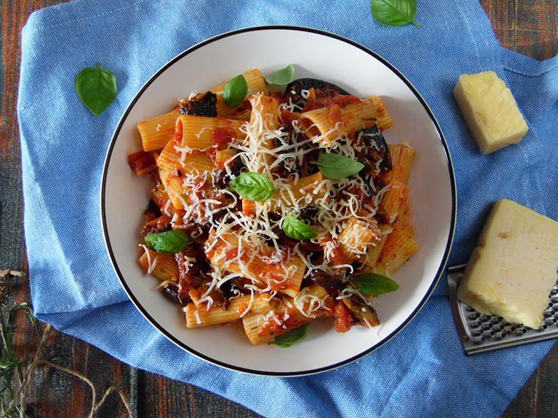 Pasta alla norma – makaron z bakłażanem